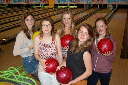 Teenagers at Hollywood Bowl, Cribbs Causeway, Bristol.