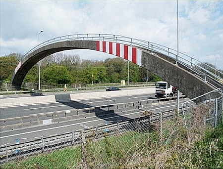 The Pegwell Brake footbridge over the M5 motorway, near Patchway.