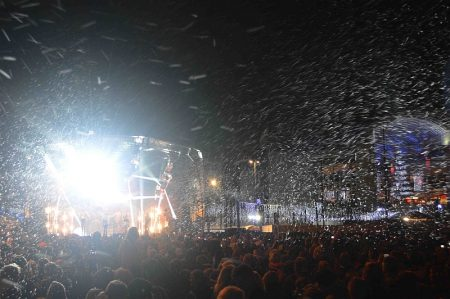 Christmas lights switch-on concert at The Mall, Cribbs Causeway.